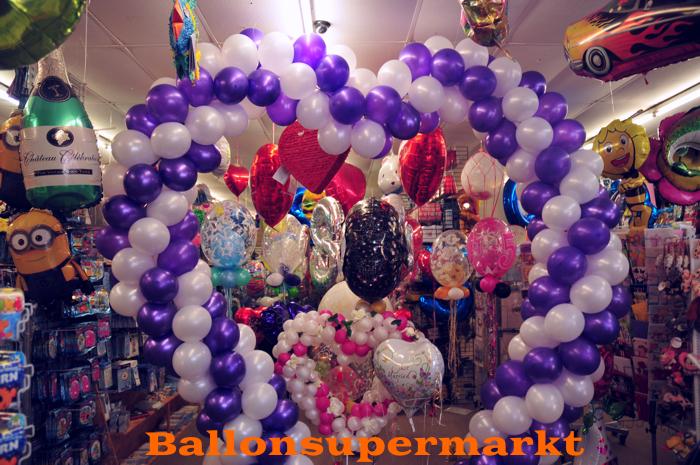 Großes Herz aus Luftballons zur Hochzeit im Ballonsupermarkt